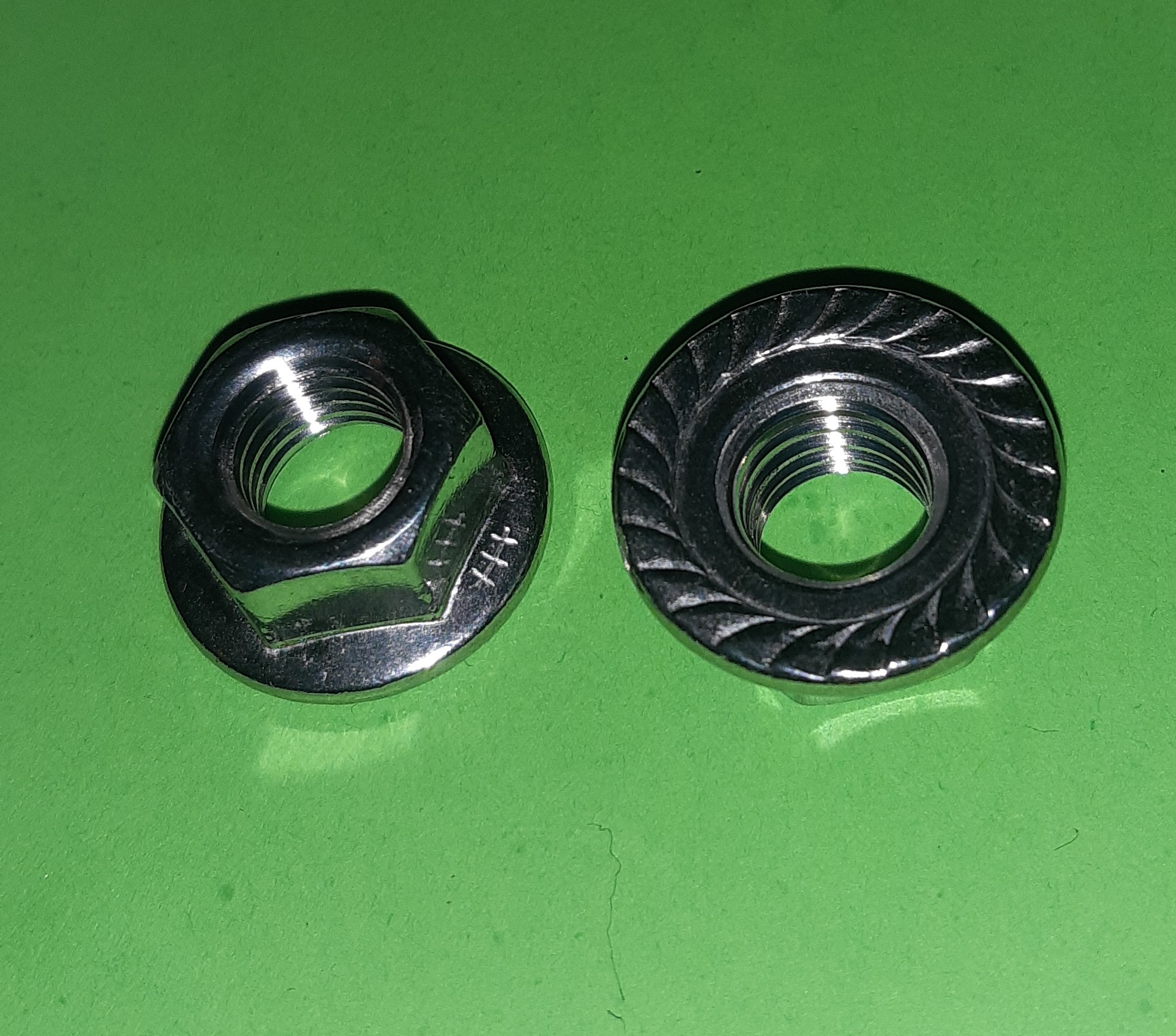 M10 Serated Flanged Hexagon Nut Stainless (2 Pack)